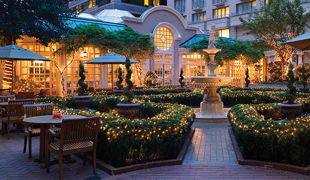 The Fairmont Washington DC Georgetown: The Colonnade Terrace