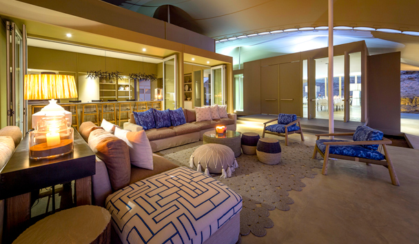 Hoanib Skeleton Coast: Lounge and Bar