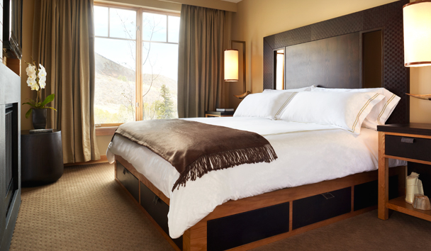 Viceroy Snowmass: One Bedroom Residence with Den
