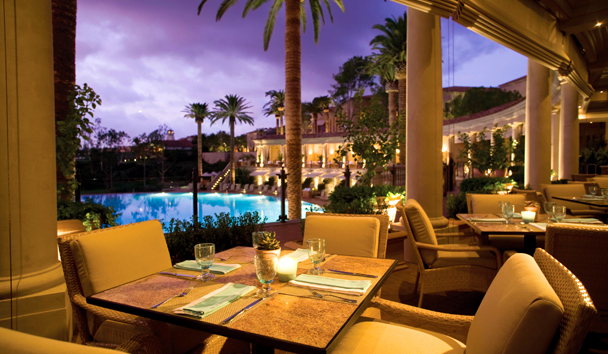 The Resort at Pelican Hill: Coliseum Pool & Grill