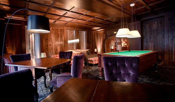 Hotel Le Blizzard: Lounge Bar Billiards Room