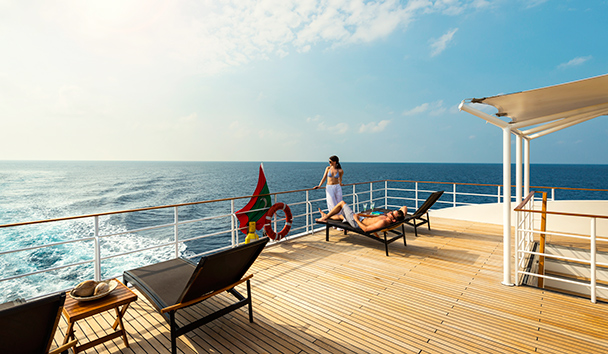 Four Seasons Explorer: Sun Deck