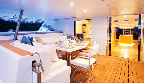 Necker Belle: Aft Deck Dining