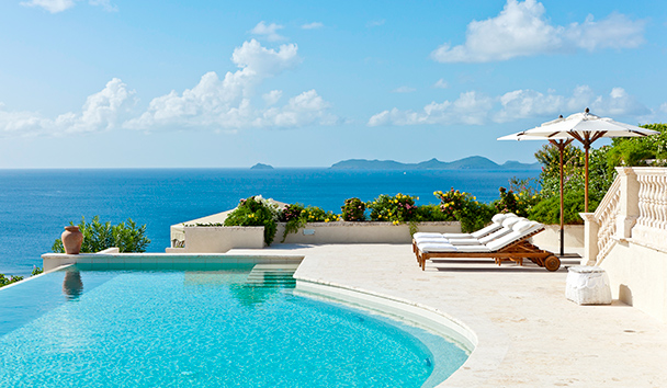 Plantation House: Infinity-Edge Swimming Pool and Sun Loungers