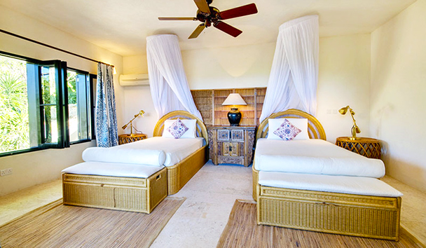 Trade Winds: Twin Bedroom