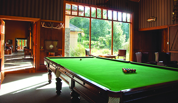 Treetops Lodge & Estate: Billiards Room