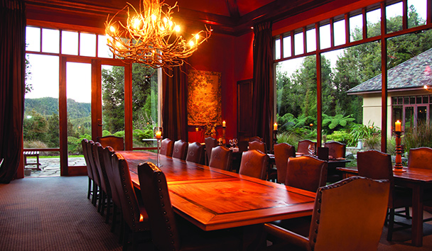 Treetops Lodge & Estate: Dining Room