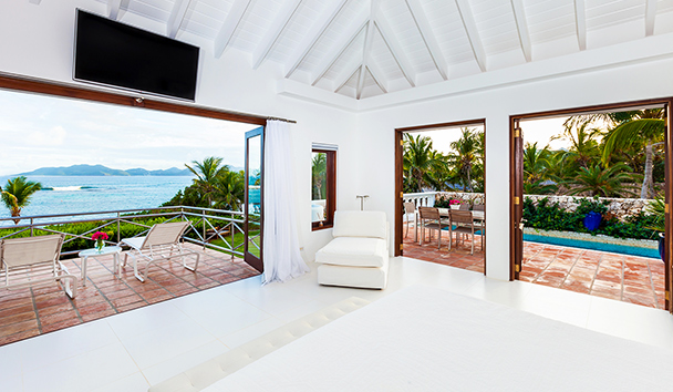Indigo, Anguilla: Bedroom with terrace and swimming pool