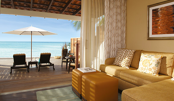 Fairmont Royal Pavilion: Beachfront Junior Suite