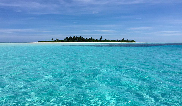 Jess' picture of the private island where the Six Senses Laamu beach picnic was held