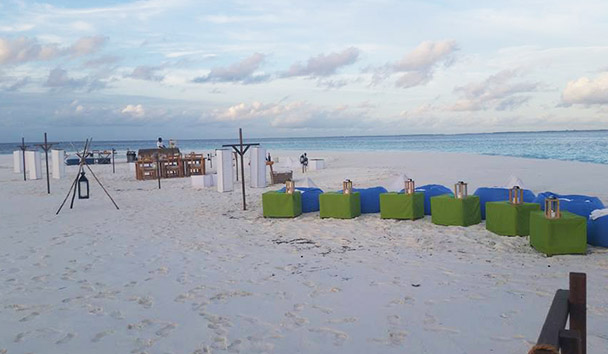 Jess' picture of the private sandbank barbecue dinner at Six Senses Laamu