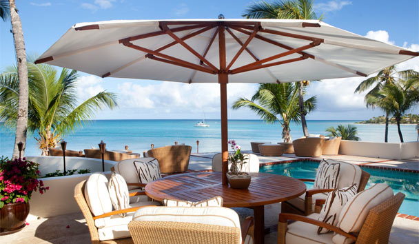 L'Acqua Villa at Jumby Bay, A Rosewood Resort: Poolside Seating Area