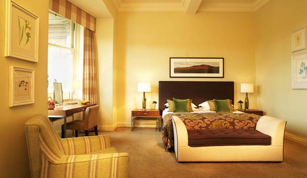 The Balmoral: Deluxe King Room