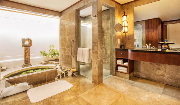 The Oberoi Beach Resort, Lombok: Bathroom