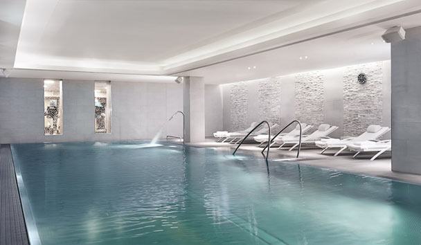 The Ritz-Carlton, Vienna: Swimming pool