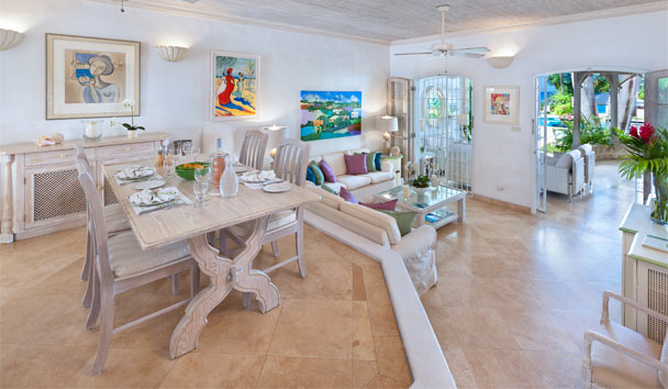 Emerald Beach: Living and Dining Room