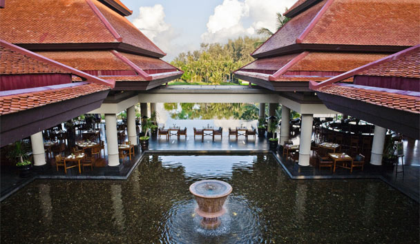 Banyan Tree Phuket: The Watercourt Restaurant