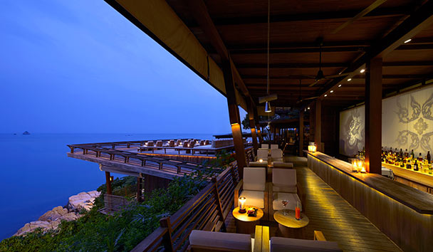 Six Senses Samui: Dining On The Rocks Bar & Restaurant
