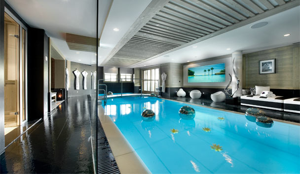 Hotel Le K2: Suite Chalet Swimming Pool