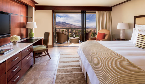 The Ritz-Carlton, Rancho Mirage: Mountain View King Bedroom