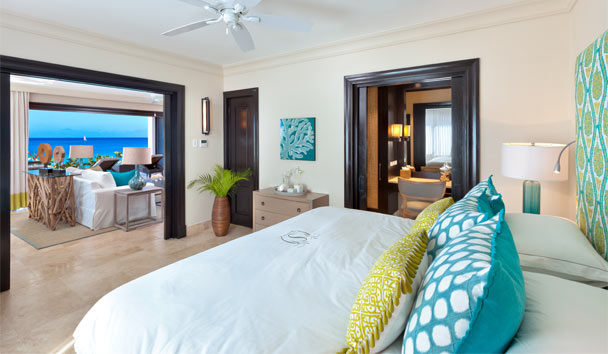 The Sandpiper: Beach House Suites