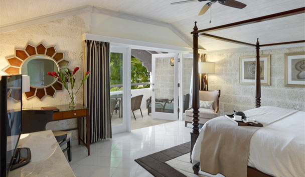 Colony Club by Elegant Hotels: Luxury Pool Side Room