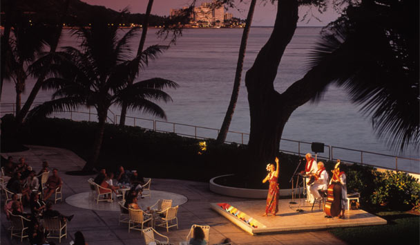 Halekulani: Evening Entertainment