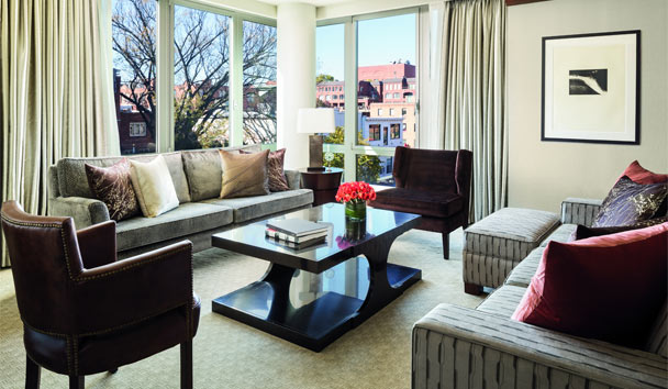 The Ritz-Carlton, Georgetown: Suite Lounge