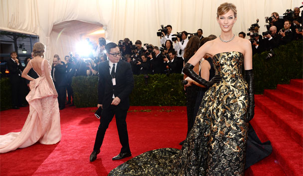 Oscar de la Renta's gowns regularly grace the Red Carpet
