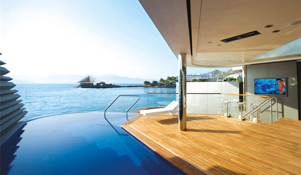 Exclusive Elegance at Elounda: Yaching Villa