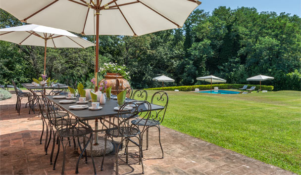 Novedieci: A renovated Italian farmhouse villa with a private chef available