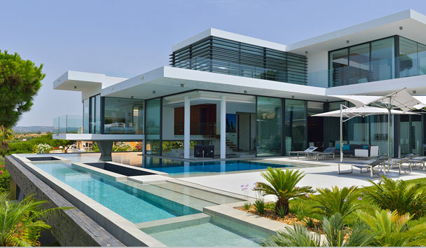 Chicane: A glamourous luxury villa in Portugal
