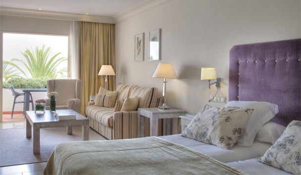 Puente Romano Beach Resort & Spa: Deluxe Junior Suite