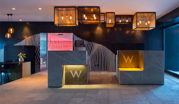W Verbier: Reception Area