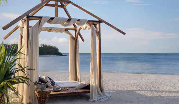 Shangri-La's Le Touessrok Resort & Spa, Mauritius: Beach Bed