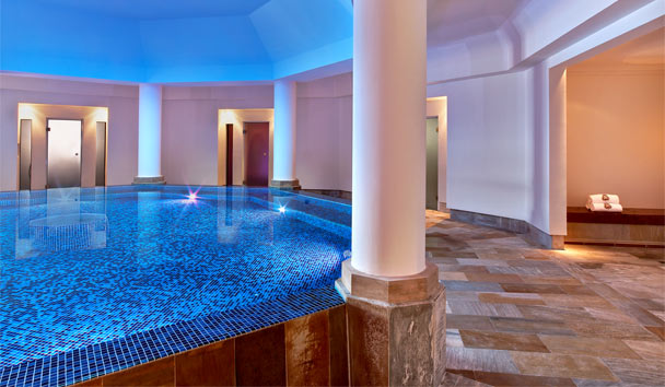 The St. Regis Mardavall Mallorca Resort: Indoor Pool