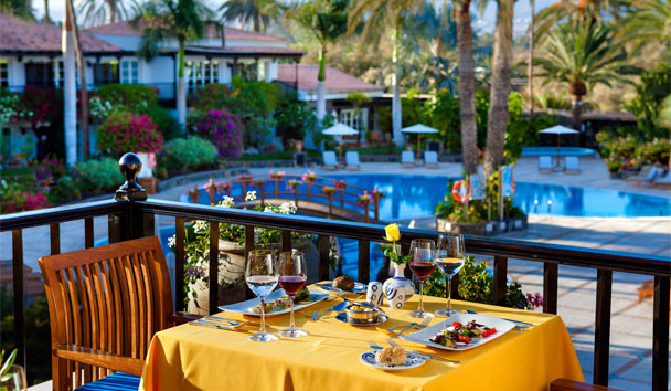 Seaside Grand Hotel Residencia: Terrace Dining