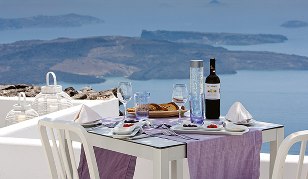 Grace Hotel Santorini, Auberge Resorts Collection: Poolside Dining