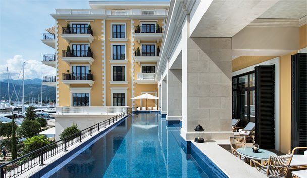 Regent Porto Montenegro: Outdoor swimming pool