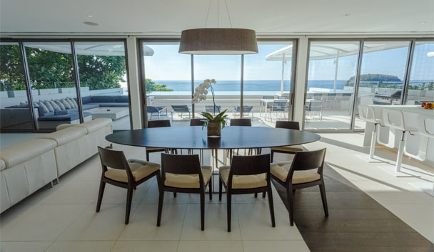 Kata Rocks: Sky Villa Penthouse, Indoor Dining Room