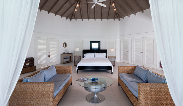 Palm Point: Master suite bedroom