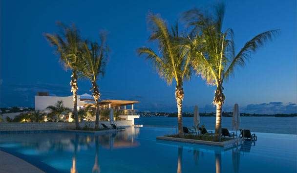 Hamilton Princess & Beach Club, A Fairmont Managed Hotel: Infinity Pool At Sunset