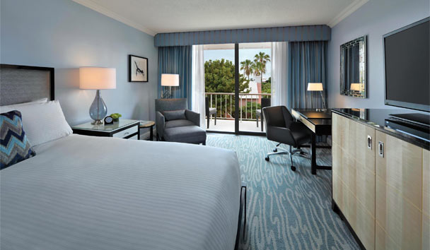 Hamilton Princess & Beach Club: Deluxe guestroom