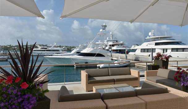 Hamilton Princess & Beach Club: Marina seating