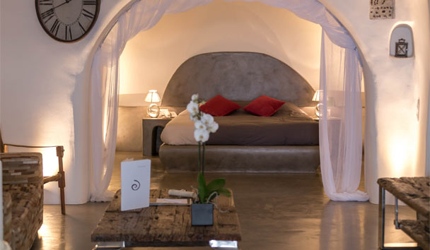 Andronis Luxury Suites: Cave Pool Suite