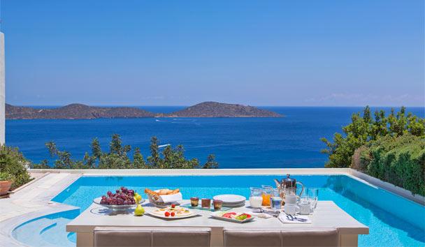 Elounda gulf villas suites greece elegant resorts for Infinity pool design uk