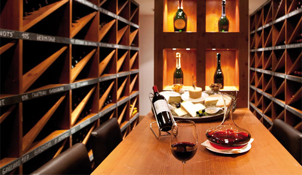 Chalet RoyAlp Hotel & Spa: Le Cellier Wine Cellar