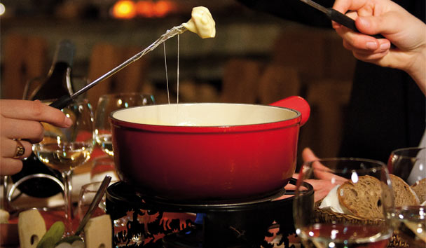 Chalet RoyAlp Hotel & Spa: Fondue at Le Grizzly