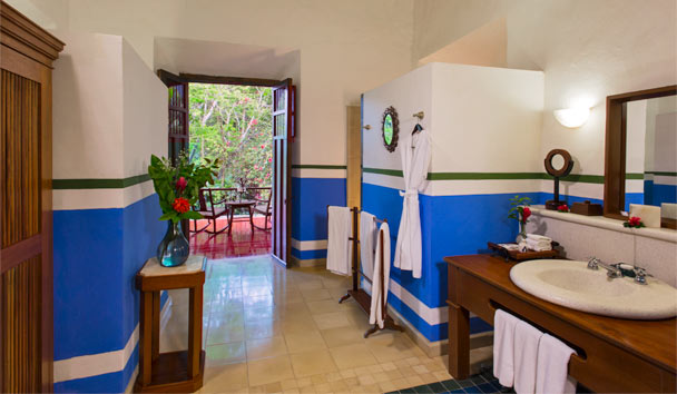 Hacienda San Jose, a Luxury Collection Hotel: Junior Suite bathroom