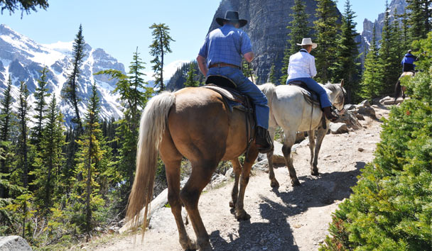 Live like an early pioneer, and trek through the Canadian wilderness